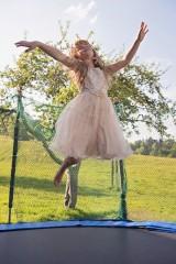 trampoline-796255_640
